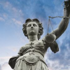 Gericht darf Umgangsrecht durchsetzen