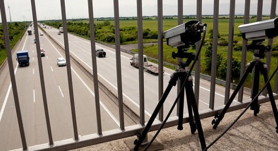 Abstandsmessung: Das sollten Sie über den Sicherheitsabstand wissen